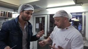 BOOMERANG_2_Diego_deguste_chocolat__PERSOON_-FM-300x168